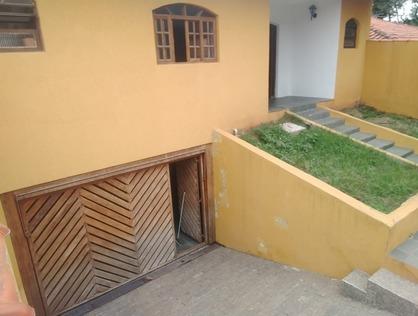 Ver mais detalhes de Casa com 3 Dormitórios  em Jardim América - Taboão da Serra/SP