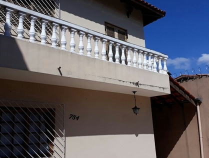 Ver mais detalhes de Casa com 3 Dormitórios  em Cidade Intercap - Taboão da Serra/SP