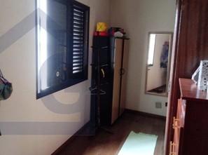 Ver mais detalhes de Casa com 4 Dormitórios  em Jardim do Mar - São Bernardo do Campo/SP