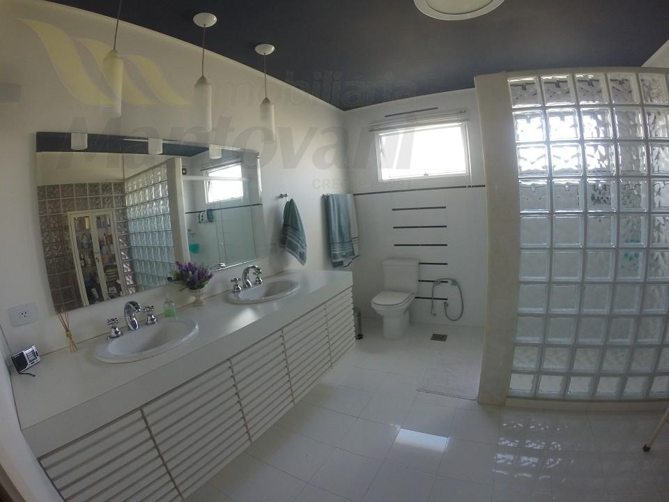 Banheiro suite superior