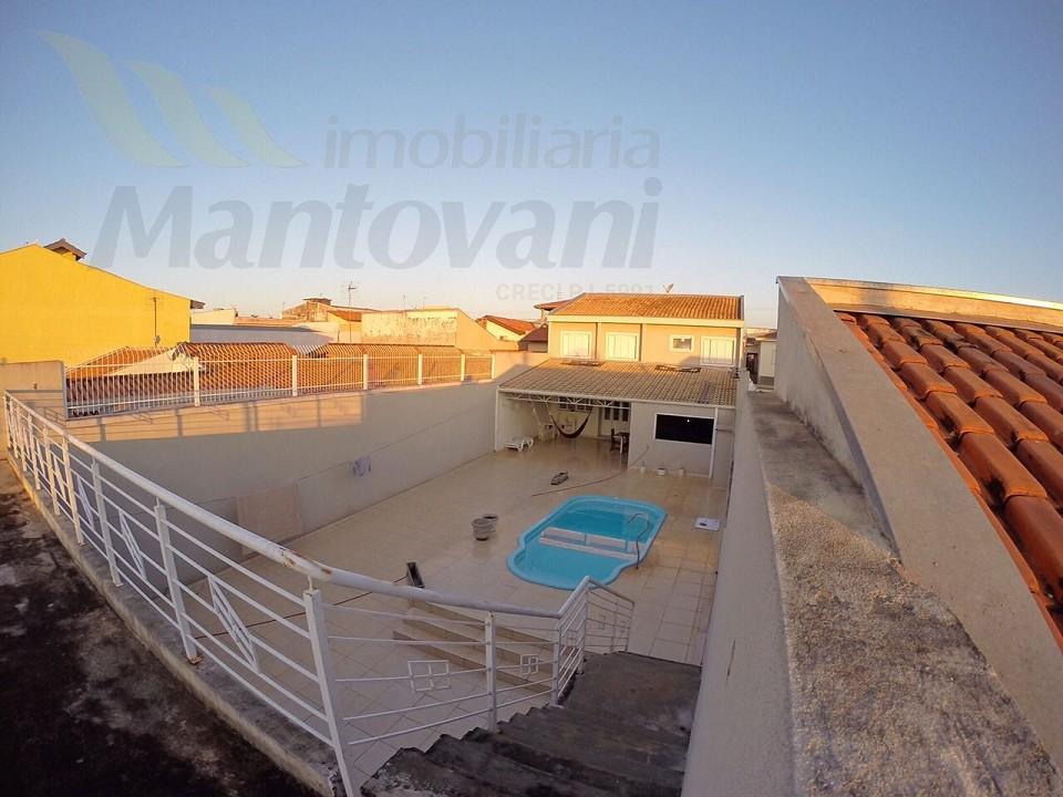 Vista de um terraço na entrada do imóvel