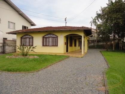 Ver mais detalhes de Casa com 4 Dormitórios  em Floresta - Joinville/SC