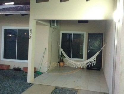 Ver mais detalhes de Casa com 2 Dormitórios  em Espinheiros - Joinville/SC