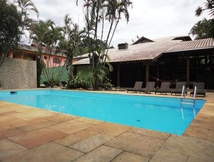 Ver mais detalhes de Casa com 4 Dormitórios  em Santa Catarina - Joinville/SC