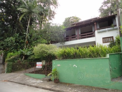 Ver mais detalhes de Casa com 3 Dormitórios  em gloria - Joinville/SC