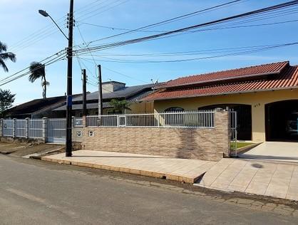 Ver mais detalhes de Casa com 2 Dormitórios  em Adhemar Garcia - Joinville/SC