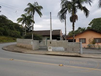 Ver mais detalhes de Casa com 4 Dormitórios  em Paranaguamirim - Joinville/SC