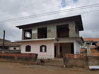 Ver mais detalhes de Casa com 3 Dormitórios  em Espinheiros - Joinville/SC