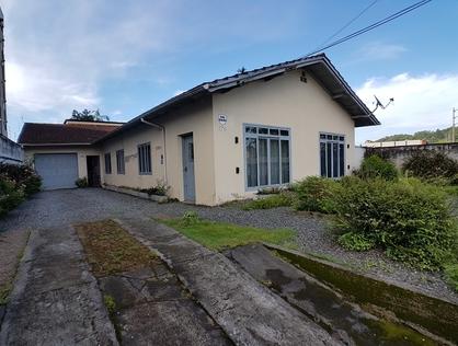 Ver mais detalhes de Casa com 3 Dormitórios  em Bom Retiro - Joinville/SC