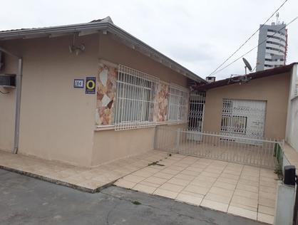 Ver mais detalhes de Casa com 2 Dormitórios  em Centro - Joinville/SC