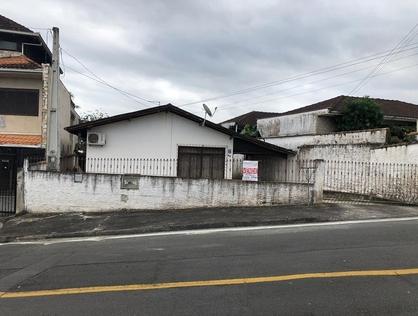 Ver mais detalhes de Casa com 3 Dormitórios  em Saguaçu - Joinville/SC