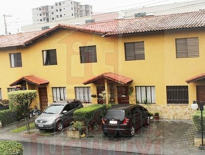 Ver mais detalhes de Casa com 3 Dormitórios  em Vila Carmosina - São Paulo/SP