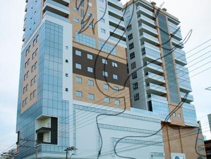Ver mais detalhes de Apartamento com 3 Dormitórios  em MEIA PRAIA - Itapema/SC
