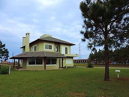 Ver mais detalhes de Casa com 2 Dormitórios  em Atlântida Sul - Osório/RS