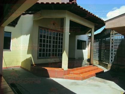 Ver mais detalhes de Casa com 3 Dormitórios  em Mario Andreazza - 2º Distrito - Ji-Paraná/RO