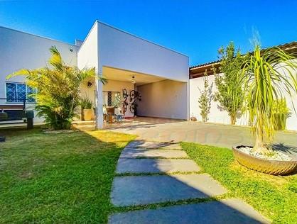 Ver mais detalhes de Casa com 3 Dormitórios  em Jardim Presidencial - 1º Distrito - Ji-Paraná/RO