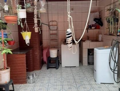 Ver mais detalhes de Casa com 5 Dormitórios  em Jardim 1 de Maio - Osasco/SP