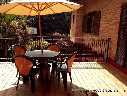 Ver mais detalhes de Casa com 4 Dormitórios  em Fazendinha - Carapicuíba/SP