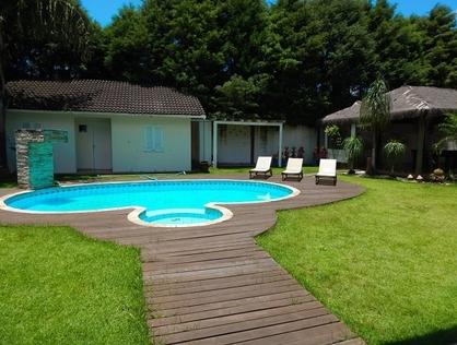 Ver mais detalhes de Casa com 4 Dormitórios  em Granja Caiapiá - Cotia/SP