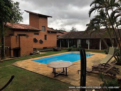 Ver mais detalhes de Casa com 4 Dormitórios  em Chácara das Paineiras - Carapicuíba/SP