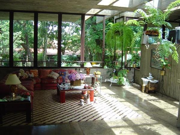 Sala de estar a luz do sol