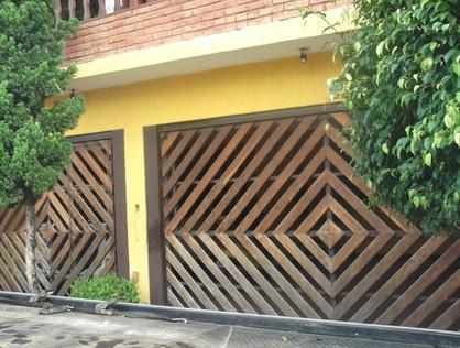 Ver mais detalhes de Casa com 3 Dormitórios  em Conj. Paes Barros - Guarulhos/SP
