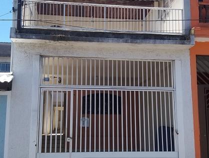 Ver mais detalhes de Casa com 3 Dormitórios  em  Cid. Jd. Cumbica - Guarulhos/SP