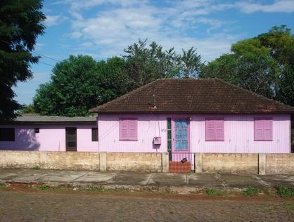 Ver mais detalhes de Casa com 3 Dormitórios  em São Francisco - Cruz Alta/RS