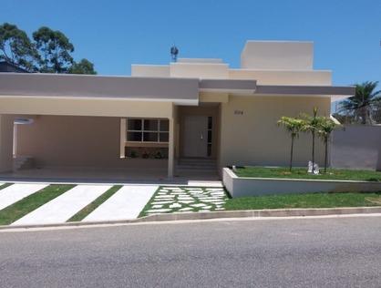 Ver mais detalhes de Casa com 3 Dormitórios  em Colonial Village - Pindamonhangaba/SP