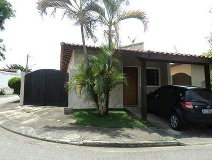 Ver mais detalhes de Casa com 3 Dormitórios  em Campo Alegre - Pindamonhangaba/SP