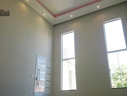 Ver mais detalhes de Casa com 3 Dormitórios  em Cond. Oásis - Taubaté/SP