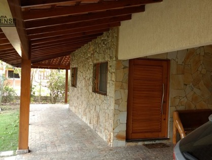 Ver mais detalhes de Rural com 3 Dormitórios  em Cruz Pequena - Pindamonhangaba/SP