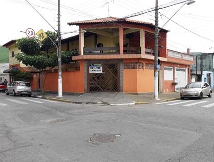 Ver mais detalhes de Casa com 4 Dormitórios  em Calmon Viana - Poá/SP
