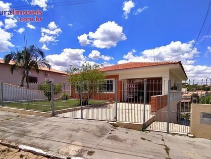 Ver mais detalhes de Casa com 3 Dormitórios  em CENTRO - Águas de São Pedro/SP