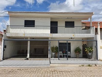 Ver mais detalhes de Casa com 4 Dormitórios  em Doze Anos - Mossoró/RN