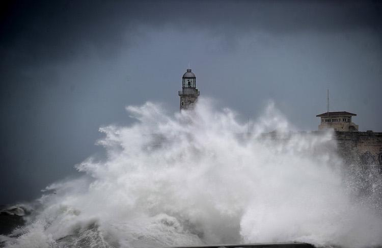 Huge wave at Morro Castle, Havana, caused by Irma on 9/10/2017