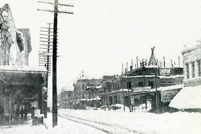 """Houston's Main Street buried under 20"""" of snow on February 14, 1895"""