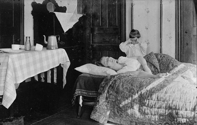 A flu-stricken U.S. woman during the autumn of 1918