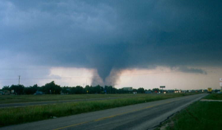 Photo by Lon Curtis of the Jarrell, TX, tornado, 5/27/1997