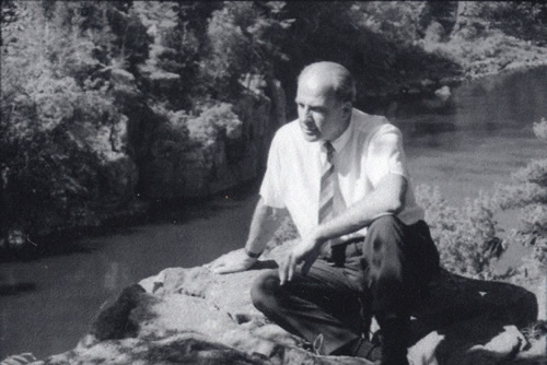 Earth Day founder Sen. Gaylord Nelson on the banks of the St. Croix River