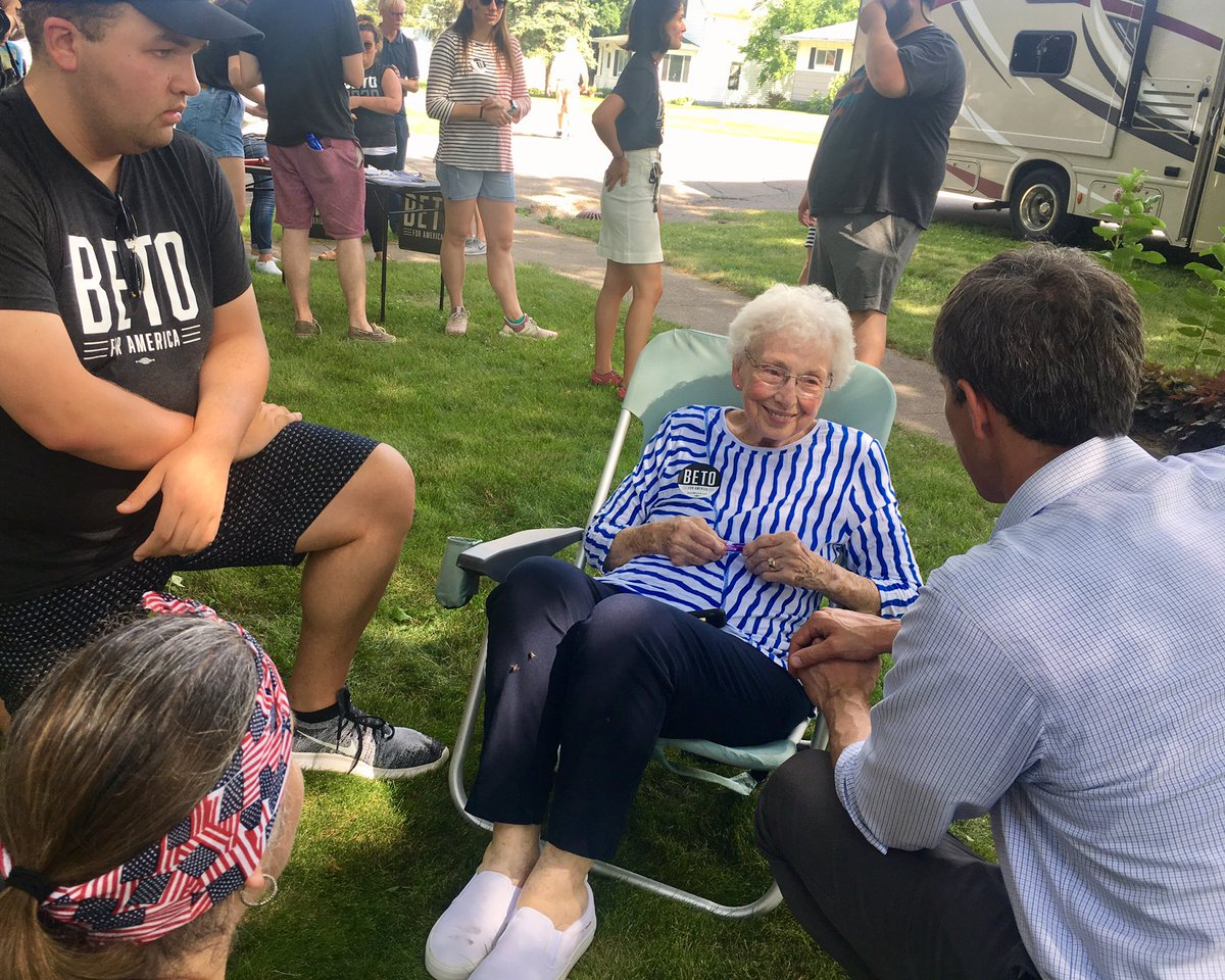 Beto speaking with voters in Williams, Iowa