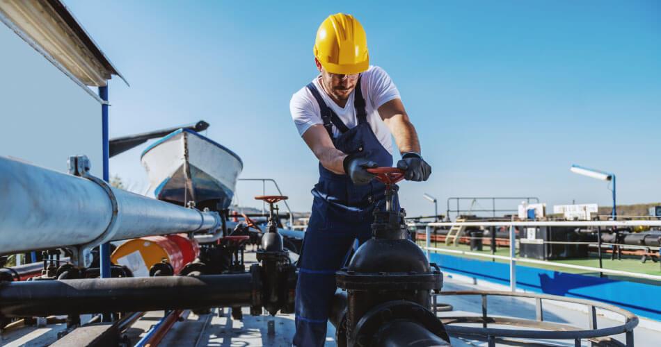 refinery-preventive-maintenance-check