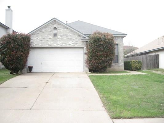 Great 3/2 1 story in wonderful Round Rock neighborhood. School, parks, shopping all close by with convenient access to I35.