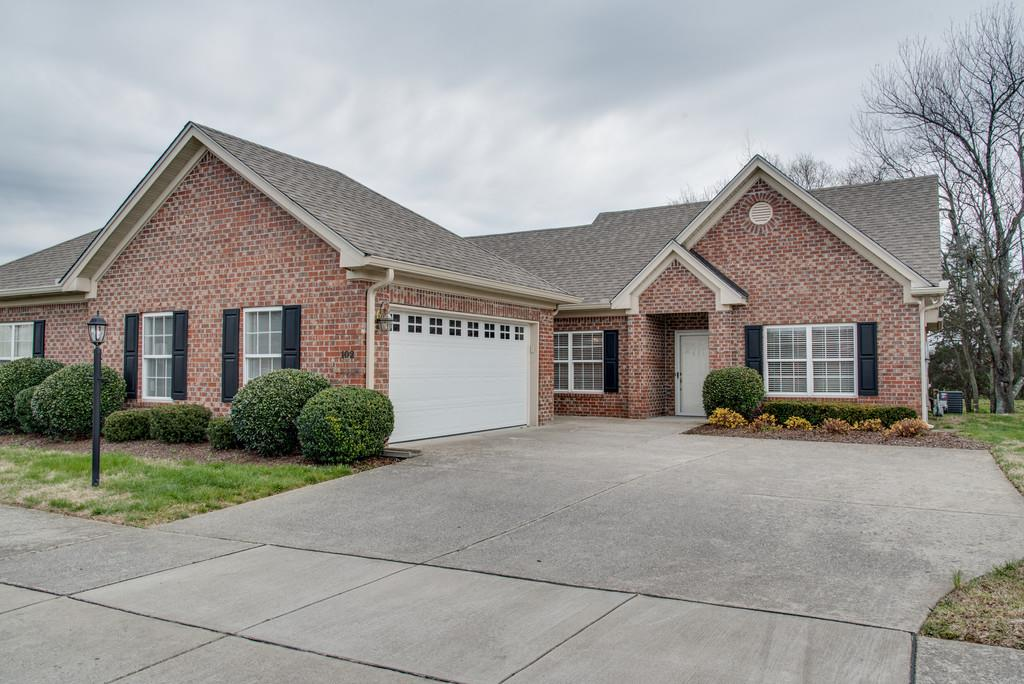 """Just like Mary Poppins...""""practically perfect in every way""""! 55+ Community near Historic Downtown Franklin. 9' ceilings with beautiful molding, hardwoods, pergola, backs to private green space, the appliances are almost new...move in ready!"""