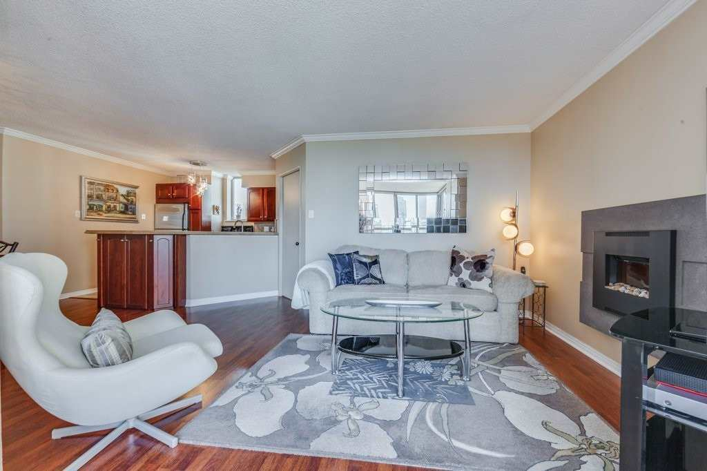 St James Condos! Amazing Value In This Super-Spacious & Renovated, 1 Bedroom W/ Sep. Office & Open Den, Prkg & Ensuite Locker. Well Over 1000Sf With North-South Views Over Recently Re-Landscaped St James Park. Entertainer's Dream Suite W/ Open Concept Chef's Kit. W/ S/S Appl., Breakfast Bar, A Ton Of Storage & Generous Princ. Rooms. Massive Bdrm W/ 4-Piece Ensuite. Intimate & Quiet Building W/ Only 65 Units. Steps To St. Lawrence Market & Fin.Core.