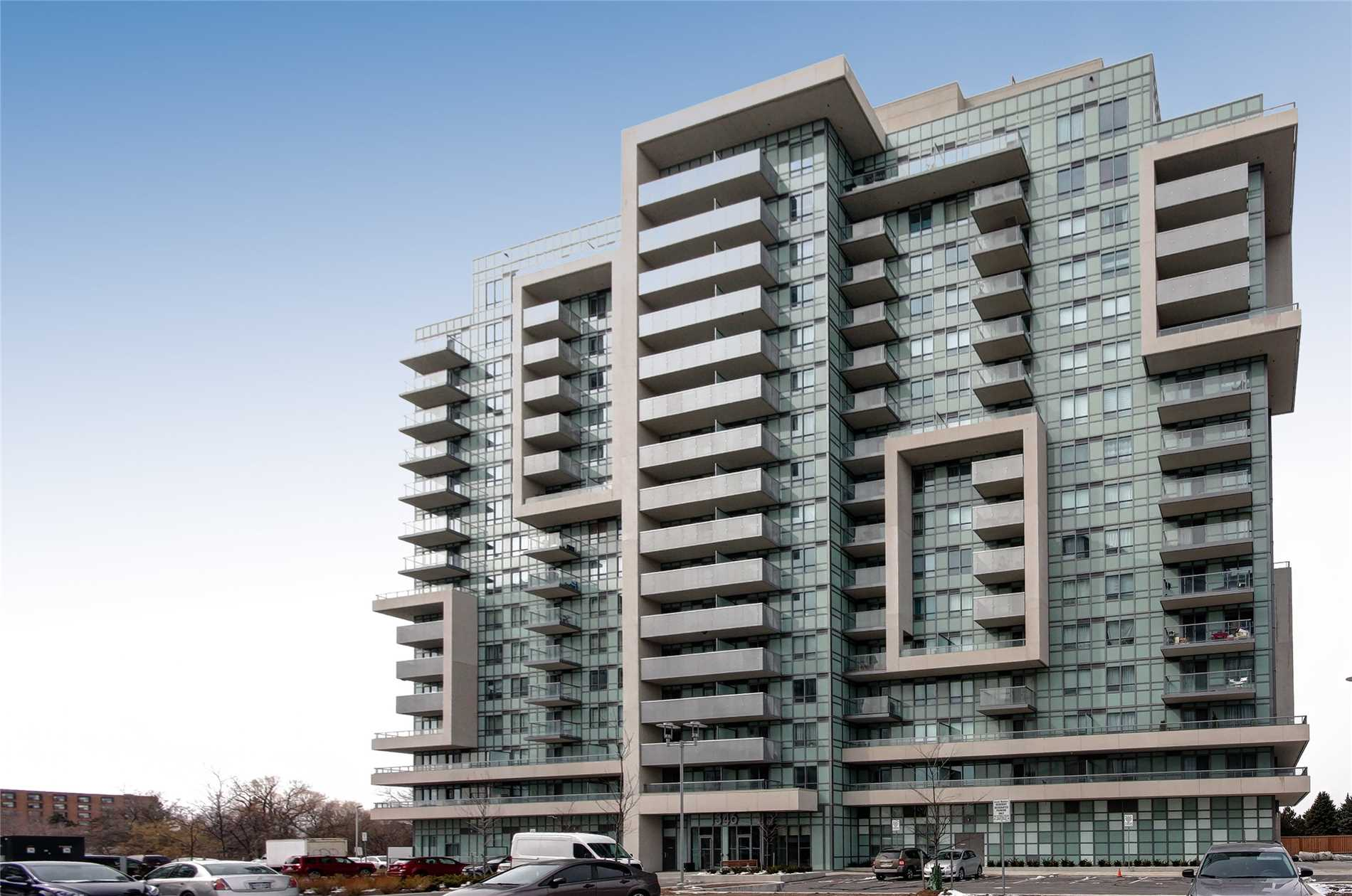 Bright And Spacious 800Sqf 2 Bedroom, 2 Full Bath Condo. 1 Parking. Stainless Steel Appliances. Close To Eglinton Go Train, And Kennedy Ttc Subway. Access To Walking Trails And Sport Amenities In The Park Next Door