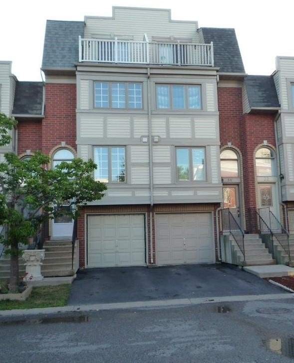 Location! Location! Location! Sought After Complex! Minutes To Pickering Town Centre, Parks, City Hall, Medical Centre, Restaurants, Major Hwy And All Amenities! No Disappointments Here! This Town House Is Move In Ready With Amazing Updates: Roof, Some Windows, Vinyl Siding, Berber Carpet, Two Tier Deck, Etc..