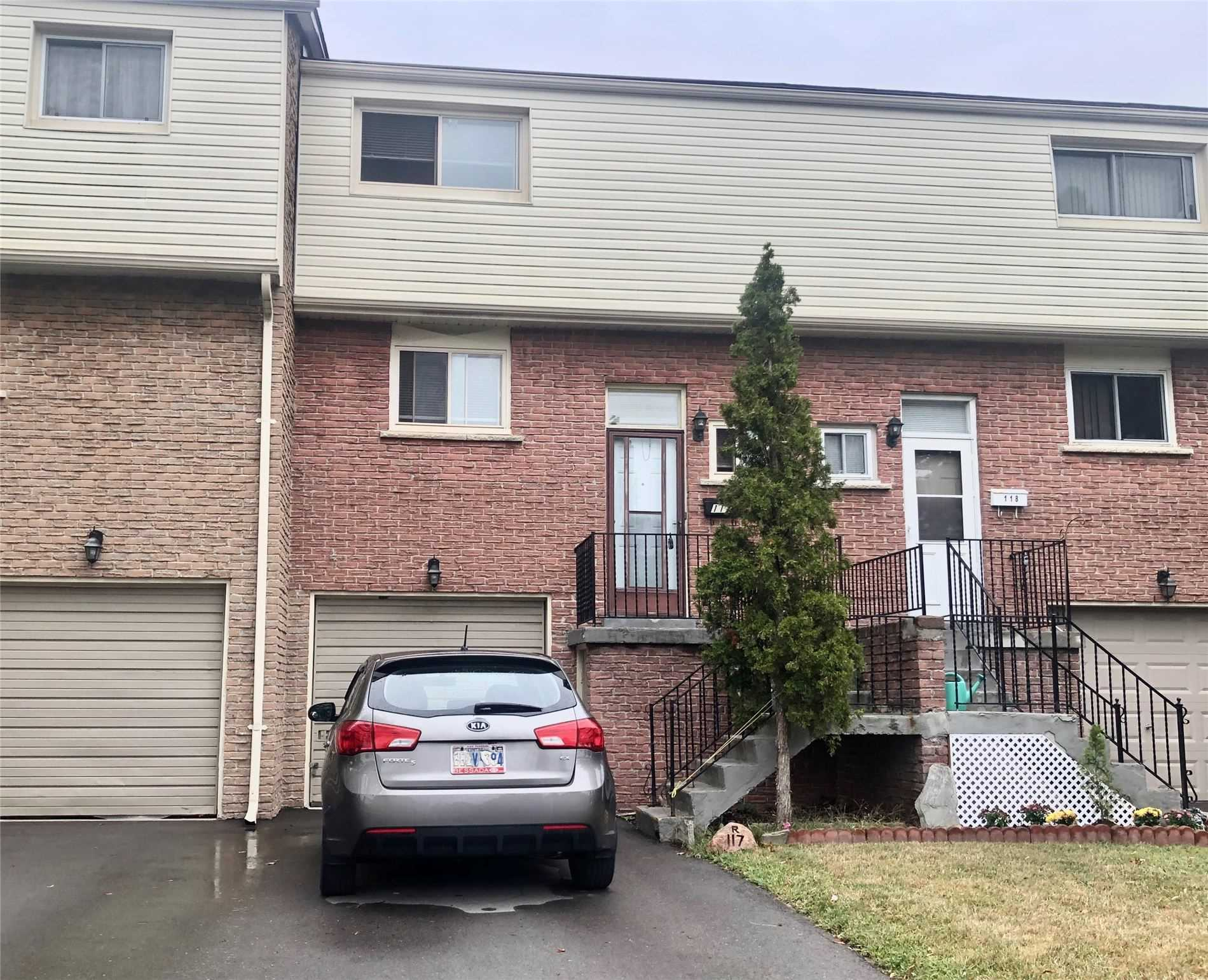 Lovingly Maintained 3 Level Townhome Located In The Heart Of Pickering. Spacious & Functional Floorplan Offers Combined Living & Dining, Bright Eat-In Kitchen With Plenty Of Cabinetry. 3 Great Sized Bedrooms W/Large Closets. Lower Level Boasts High Ceilings, Laminate Floors & Walk-Out To Private Backyard. Room To Park 3 Cars With Ample Visitors Parking.