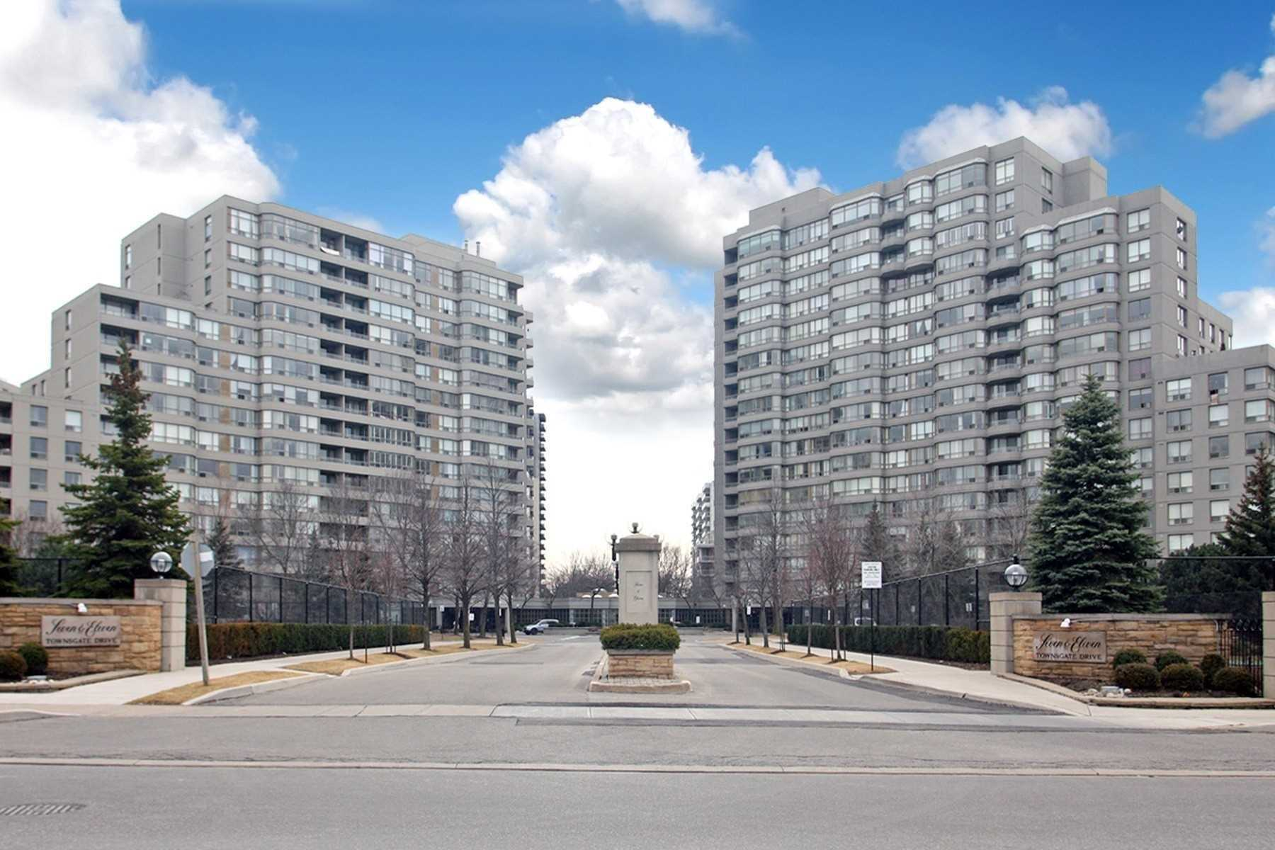A.A.A Location Of Crestwood-Springfarm-Yorkhill. Immaculate & Move-In Condition. Bright & Sun-Filled N/E Facing Luxury 2 Bedroom + Solarium & 2Bathrm, Almost 1400 Sqft Of Living Space On Ground Floor. Open Concept, Huge Living/Dining Room, Large Solarium/ Family Room Area Combined W/ Breakfast Area & Eat-In Kitchen Which O/Looks Beautiful Courtyard, Large Master Bedroom + W/I Closet + En-Suite W/ Over-Sized Soaker Tub + Separate Shower.