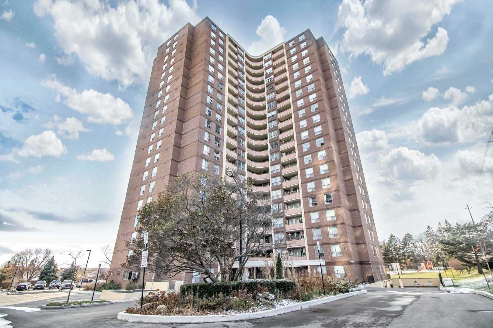 Tastefully Renovated Penthouse Suite, Done Top To Bottom. 1360 Square Feet. Balcony, Great Building, Great View. Fab Top Floor Suite. Rent Includes Most Utilities. Stellar Location, Steps To Ttc. Wonderful Amenities In Building.